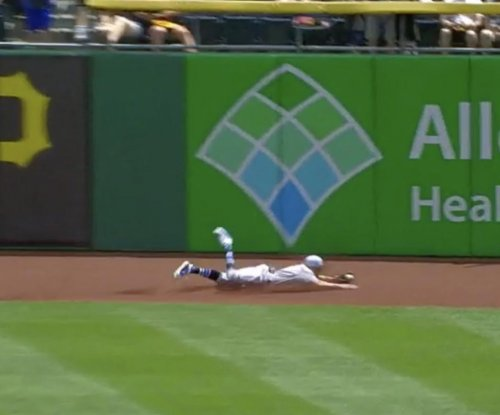 Reds' Hamilton makes lowest probability catch of 2018 season