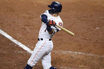 Astros' Correa to miss Houston's opener with neck stiffness
