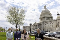 Democratic lawmakers call for USPS to implement essential banking services