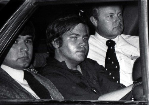 Secret Service: Reagan shooter Hinckley is behaving normally