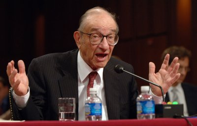 Greenspan defends his record