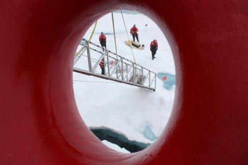 Gazprom Neft readies arctic oil shipments
