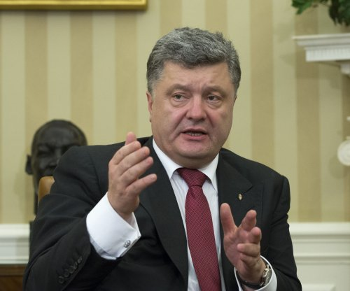 Poroshenko predicts 'large-scale hostilities' as Ukraine fighting intensifies