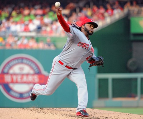With trade rumors swirling, Cincinnati Reds' Johnny Cueto pitches gem