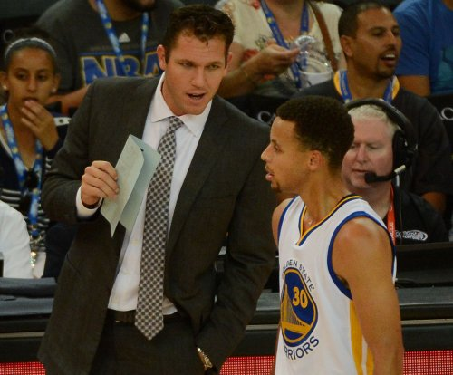 Warriors' Luke Walton named coach of month