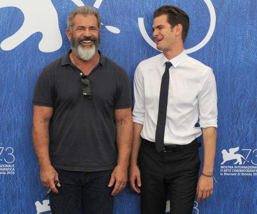 Mel Gibson slams 'Batman v Superman' for high budget: 'Spandex must cost a lot'
