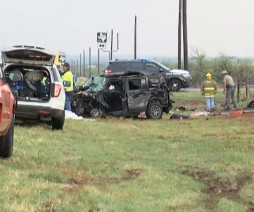 Floods, tornadoes likely in South; 3 storm chasers killed in collision