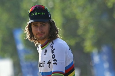 2017 Tour de France: Peter Sagan disqualified for elbowing, Arnaud Demare wins fourth stage