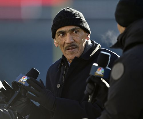 Dungy to go into Buccaneers' Ring of Honor