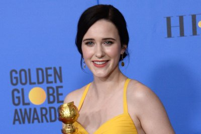 Rachel Brosnahan to guest host 'Saturday Night Live'
