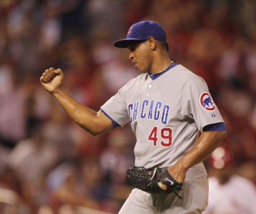 Carlos Marmol signs minor league deal with Boston Red Sox