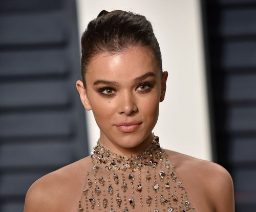 Hailee Steinfeld not dating Justin Bieber, says rep