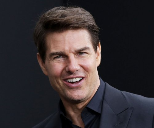 Filming on 'MI6' suspended after Tom Cruise breaks ankle