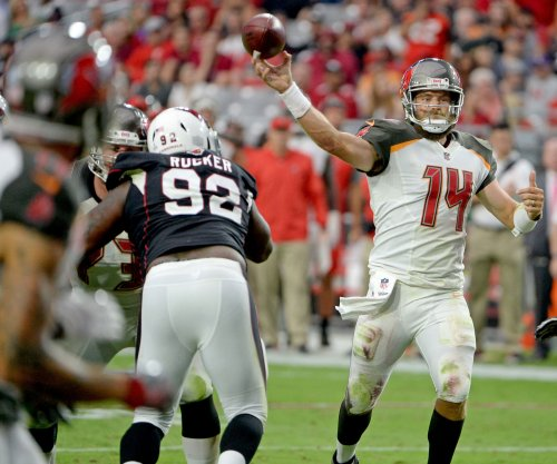 QB Ryan Fitzpatrick agrees to re-sign with Tampa Bay Buccaneers