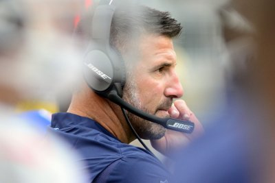 Vrabel leads Titans into matchup with Belichick, Patriots