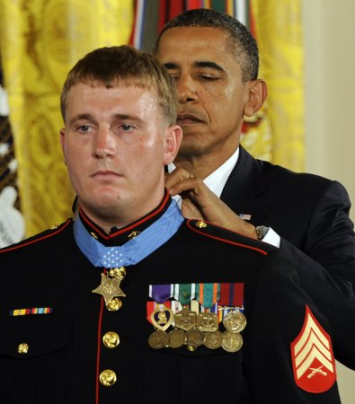 Marine Dakota Meyer gets Medal of Honor