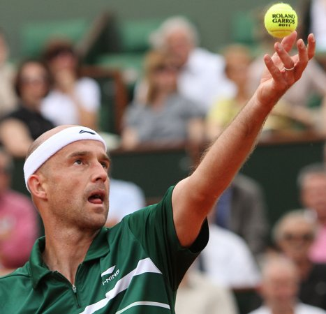 Ljubicic survives Zagreb first round