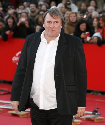 Gerard Depardieu fined for drunk driving, loses license
