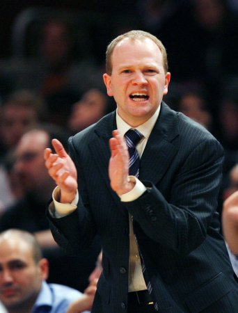 Nets retain Coach Lawrence Frank