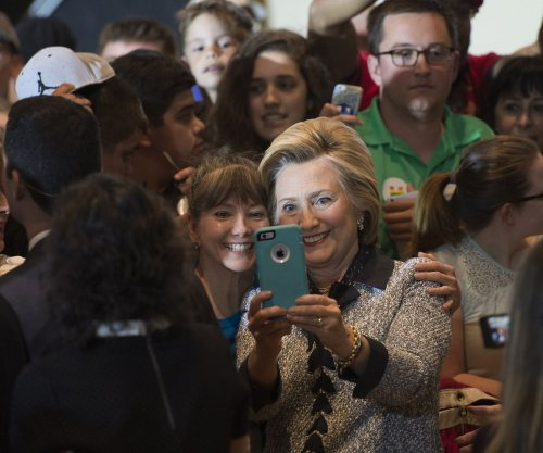 Hillary Clinton proposes broadband for all by 2020