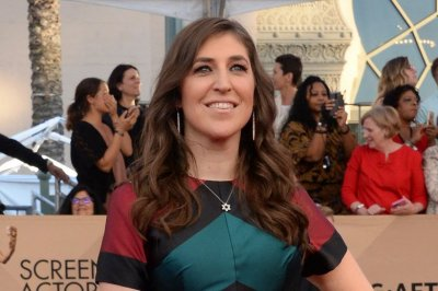 Report: 'Big Bang Theory' stars to take pay cut for Mayim Bialik, Melissa Rauch