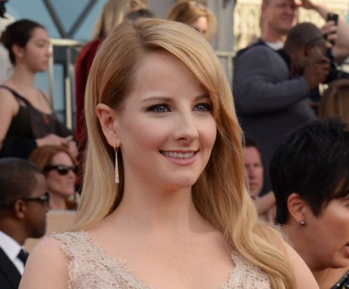 'Big Bang Theory' star Melissa Rauch pregnant after miscarriage