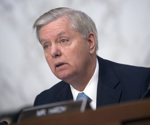 Sens. Graham, Gillibrand propose 9/11-style commission on election threats
