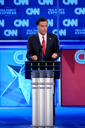Poll: Romney sneaks ahead of Obama