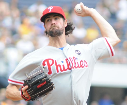 Hamels no-hits Chicago Cubs in Philadelphia Phillies' 5-0 win