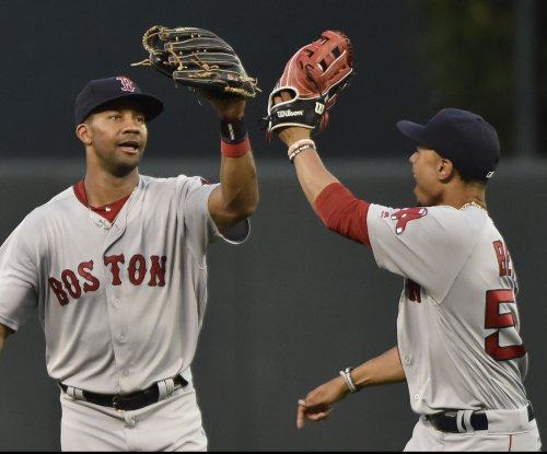 Boston Red Sox LF Chris Young suffers hamstring injury