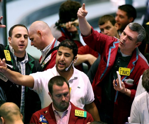 Oil prices fall sharply for second straight day