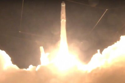 SpaceX launches Falcon 9 rocket to International Space Station