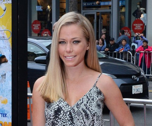 Kendra Wilkinson wishes Hugh Hefner a Happy 91st birthday