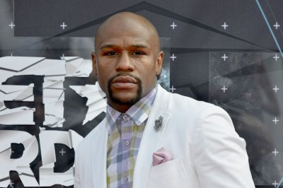 "Floyd Mayweather: ""Money"" asks IRS for temporary reprieve"