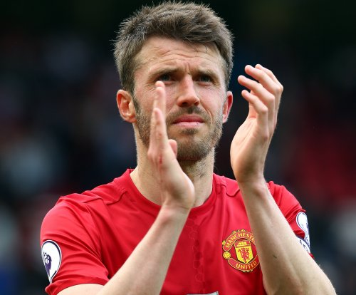 Manchester United name Michael Carrick new captain