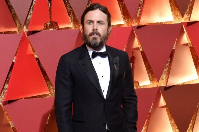 Casey Affleck must protect his daughter in 'Light of My Life' trailer