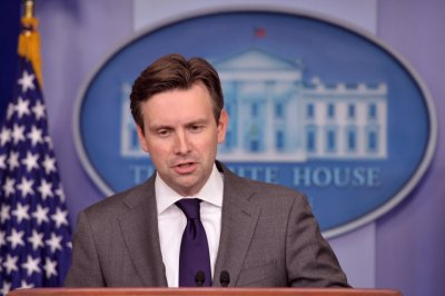 No change in oil export policy, White House says