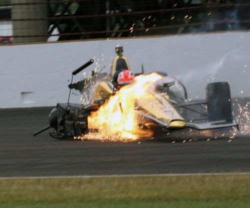 Hinchcliffe injured in Indy 500 practice crash