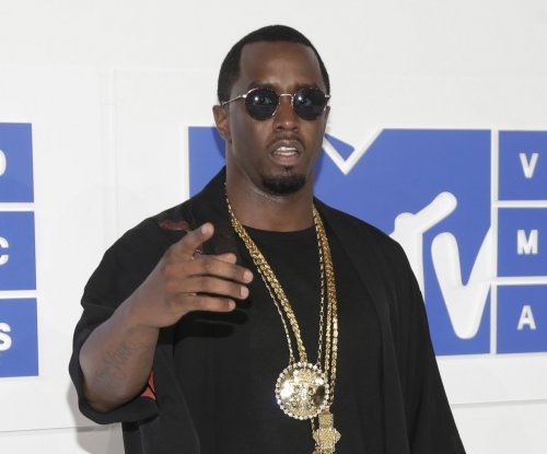 Sean 'Diddy' Combs, Cassie attend VMAs after split rumors