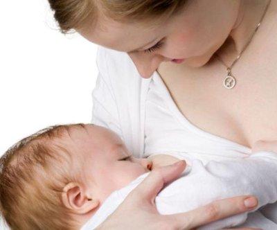 Doctors should encourage breastfeeding: Panel