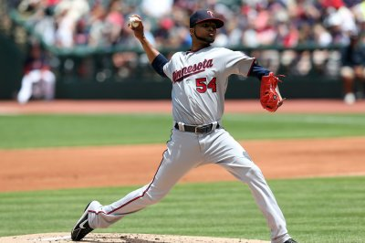 Minnesota Twins rally, rout Detroit Tigers