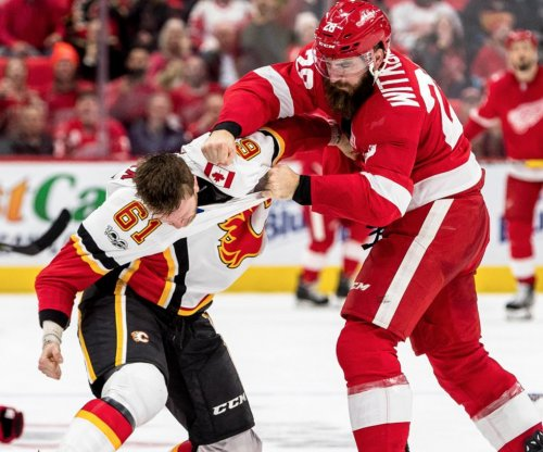 Detroit Red Wings, Calgary Flames have many fights, 129 penalty minutes in third period