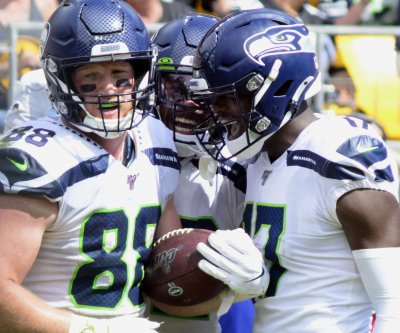 Seahawks rookie D.K. Metcalf catches decisive TD in win over Steelers