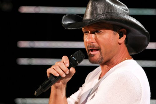 McGraw to host CMA music fest special