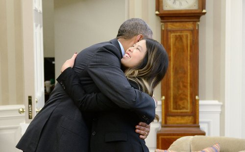 Nurse Nina Pham declared free of Ebola, meets President Obama