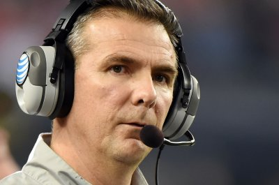 Ohio State's Meyer gets lucrative extension