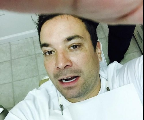 Jimmy Fallon shares dentist-chair selfie after chipping tooth