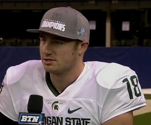 Draft: Oakland Raiders move up to choose QB Connor Cook