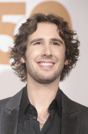 Groban to perform TV songs at Emmys