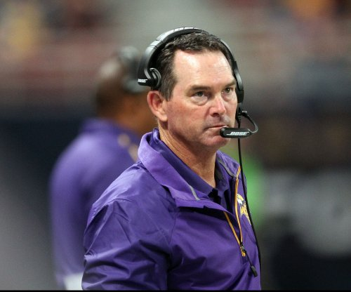 "Minnesota Vikings' Mike Zimmer defends himself in ""fat cat"" incident"